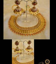 Buy TRADITIONAL NECKLACE SET necklace-set online