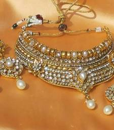 Buy Lovely Pearl necklace Necklace online