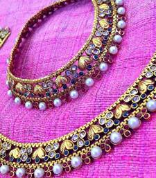 Buy Romantic red green pearl polki payal with charming golden hearts oozing with romance payal anklet sh52rg anklet online