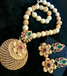Buy Georgeous high gold plated pearls necklace set curated-jewelry online