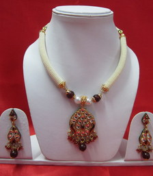 Buy Polki and Pearls necklace-set online