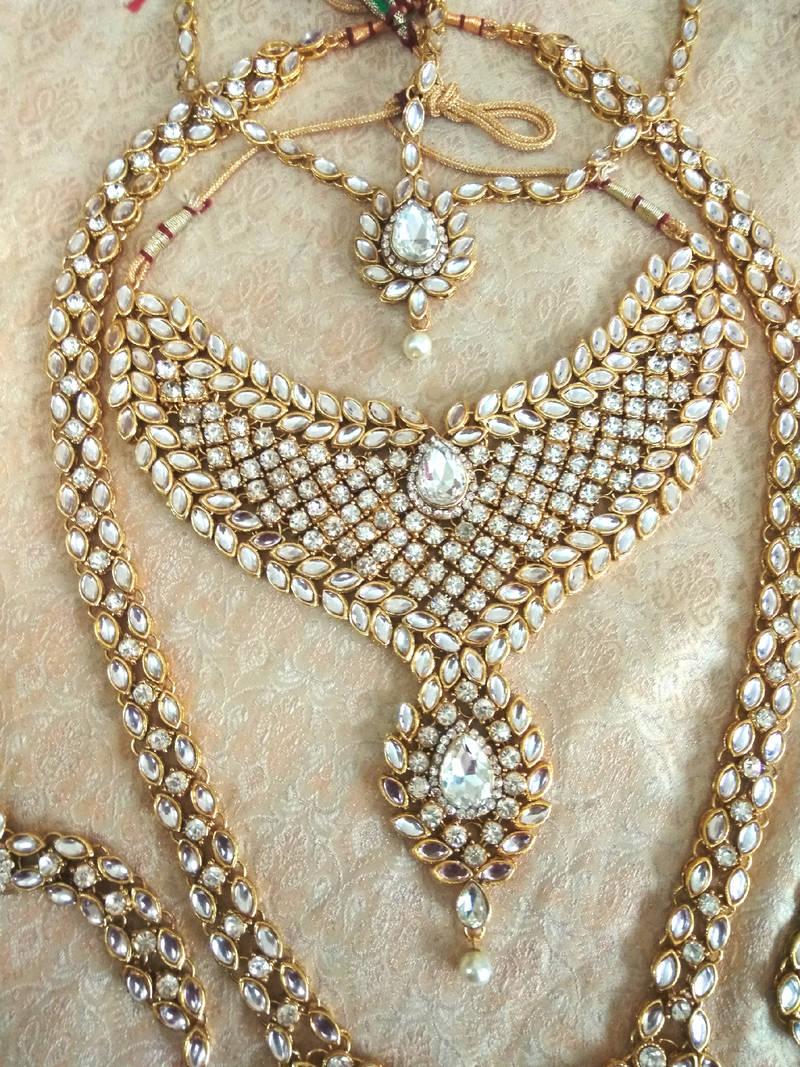 Buy White Kundan Complete Dulhan Bridal Jewelry Necklace