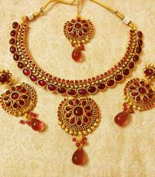 Buy Beautiful Kemp Wedding Bridal Necklace Set With Maang Tikka necklace-set online