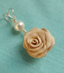Creamy Rose Pendant - Valentines 2012 shop online