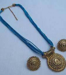 Buy Blue thread manglasutra necklace set Necklace online