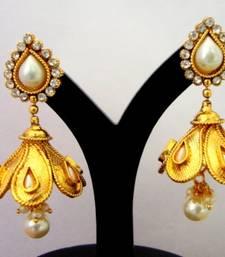 Buy ANTIQUE GOLDEN WHITE PEARLS JHUMKA Earring online