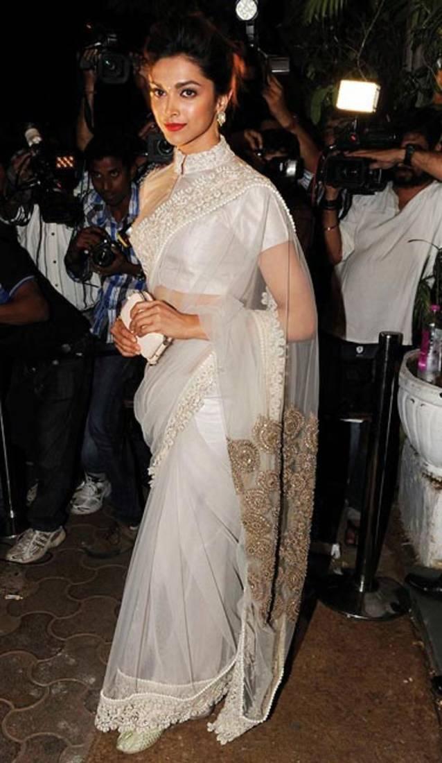 Buy Deepika Padukone looked gorgeous in white saree Online