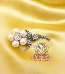 Buy Single Flower Pattern Brooch brooch online