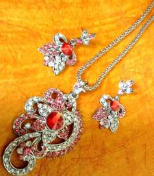 Buy Sparkling Stone with Rani Pink Stone Diamentes with India Flower Pendant Set b12 Pendant online
