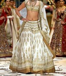 Buy Sonam Kapoor Off White & Gold Classy Lehenga bollywood-lehenga online