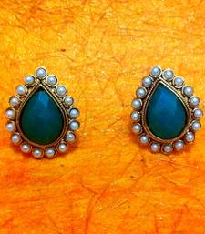 Buy Bold Green Stone with a Pearl Border ha82g Earring online