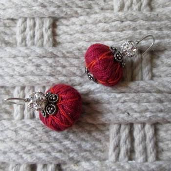 maroon sexy thread danglers