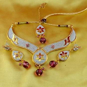 v,moti cz pearl stone polki kundun  necklace with earing  and mang tikka