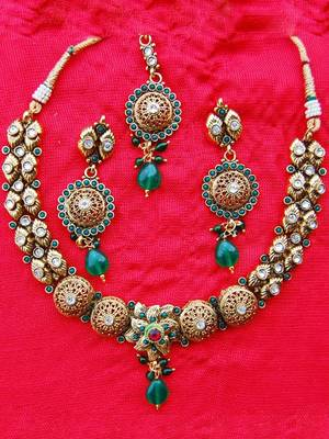 Necklace Set from Maayra