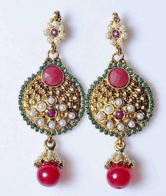 Traditional Earring in red and green