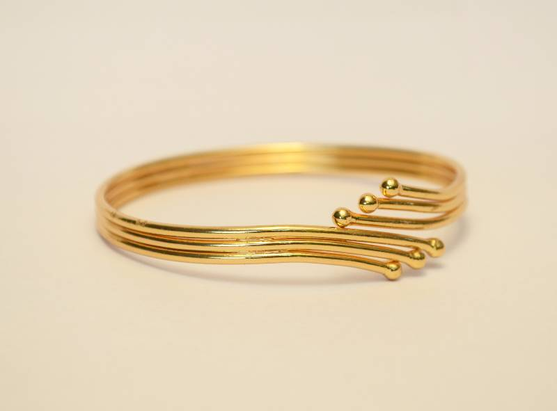 small adjustable sideways bracelets with bracelet heart bangle a and white polished htm gold textured bangles