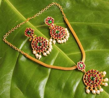 https://dreamjwell.com/products/royal-antique-kemp-green-necklace-set-dj09153