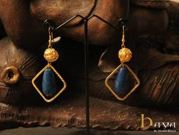 Stylish quartz earring
