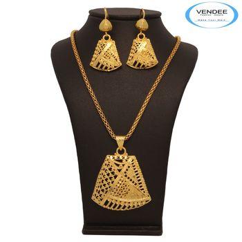 Vendee Modish Gold Pendant Jewelry 7679