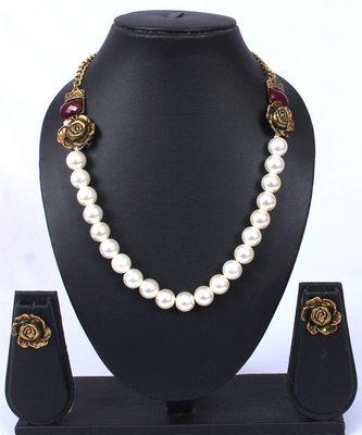 Maroon Moti Rose Shaped Necklace