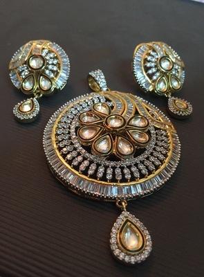 Kundan american diamond pendant set