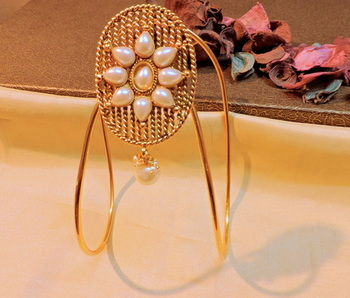 gold plated classy traditional bajuband