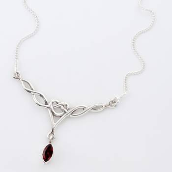 Glittering Handcrafted Silver Necklace With Faceted Garnet_06