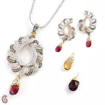 Graceful Pendant Set with changeable crystals