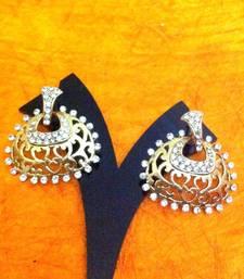Buy Elegant cut work white diamente earring PCEAZ008WH stud online