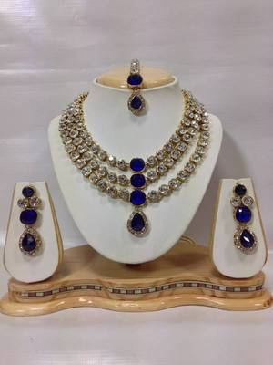 Famous Crystal Jewelry Set in Royal Blue