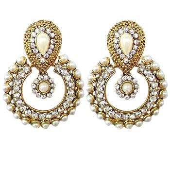 Designer women Looking Earring Set