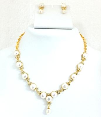 Pearl Button Necklace Set