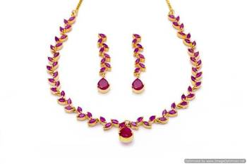 FLOWER LEAF NECKLACE SET WITH EARRINGS (RUBY) - PCN1072