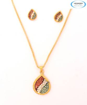 Womens fashion pendant jewelry