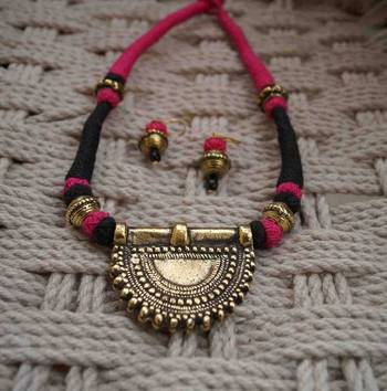 pink black thread choker with earring