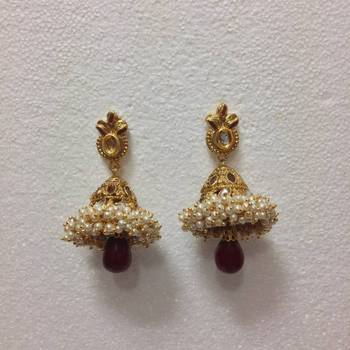 Tiny Pearls Studded Earrings in Red
