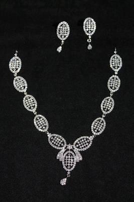 Simple look Rhodium Necklace set