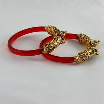 Stylish stretchable bangles trans red