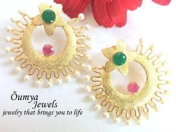 Full moon golden earrings