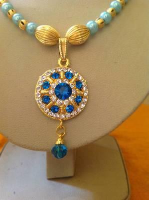 Simple and elegant designer crystal necklaces
