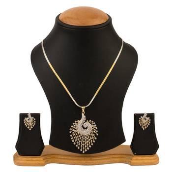 Quail American Diamond Pendant set with chain
