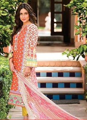 Kareena Kapoor Designer Faraz Manan Crescent Suit