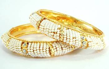 Faux pearl gold tone handmade bangle me181