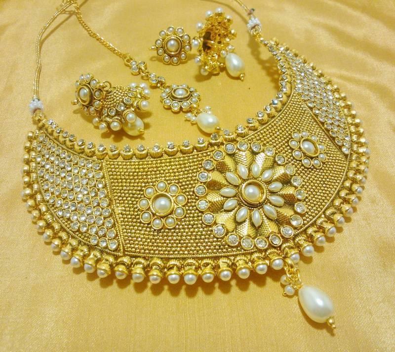 Designer White Wedding Bridal Choker Necklace Set Online