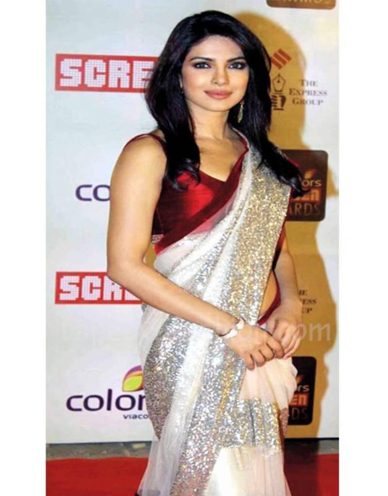 priyanka chopra wearing saree - photo #32