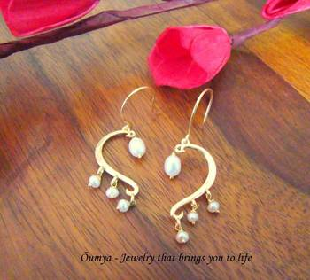 18K Gold Plated Half Heart Design with Natural FreshwaterPearls Fashion Earrings