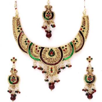 Traditional Necklate Set with Austrian Diamonds