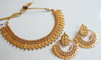 BEAUTIFUL PEARL COIN NECKLACE WITH RAM LEELA EARRINGS