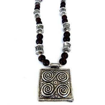 Sqaure Pendant necklace: Brown/022