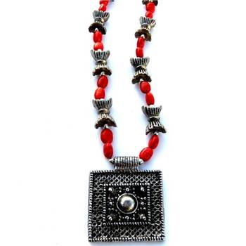 Square pendant: Red/031